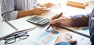 【経理担当必読】プロジェクト別の原価計算・原価管理業務の負担を軽減する方法とは?解決の鍵はシステム選びにあり!