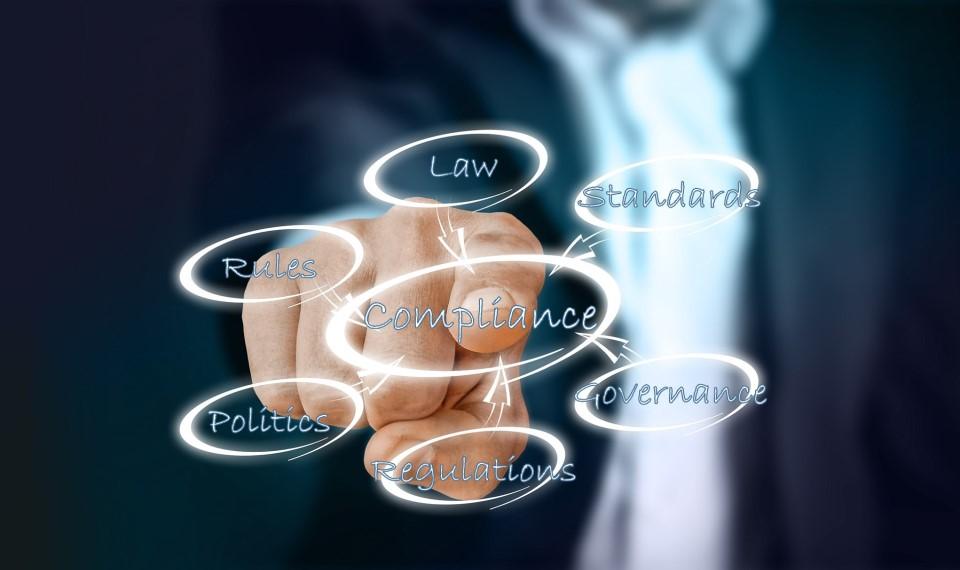 2014年の法改正以降、厳格化されている景品表示法。昨今では、IPO審査項目のトレンドとも言われています。「※個人の感想です」と小さく記載しておけばいい、という考えは通用しません。景品表示法の伝道師、弁護士 野村亮輔氏が景品表示法の神髄と表示コンプライアンスの重要性を解説します。