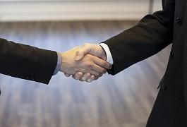 「後継者不足の原因は創業者にあり」―――偉大な創業者の後継者は同じく偉大、とは限りません。今後50年、100年続く会社をつくるために、IPO準備段階から考えておくべきポイントを解説いたします。